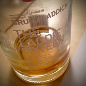 Bruichladdich_16yo_The_Laddie_Sixteen